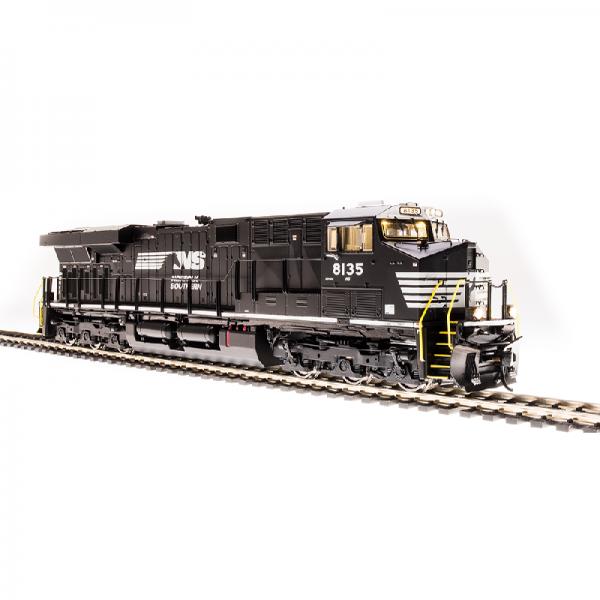 Broadway NS #8135 GE ES44AC Black & White w/ Smoke - 5873
